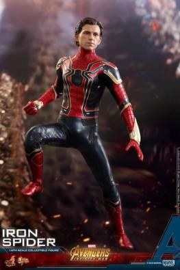 hot toys avengers infinity war iron spider-man figure -mask off
