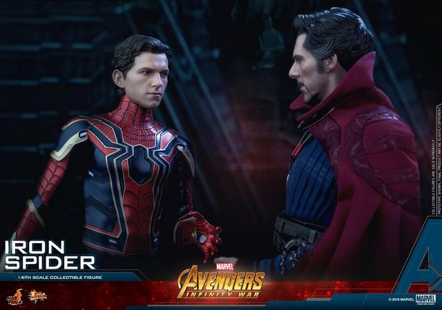 hot toys avengers infinity war iron spider-man figure -with doctor strange
