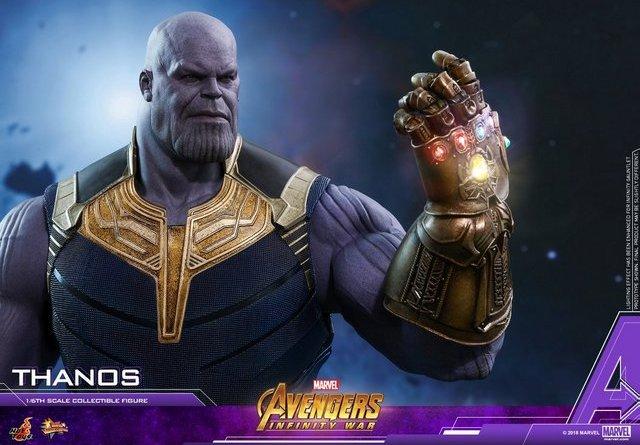 hot toys avengers infinity war thanos figure - gauntlet up