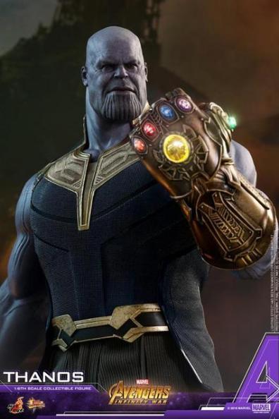 hot toys avengers infinity war thanos figure - raising infinity gauntlet