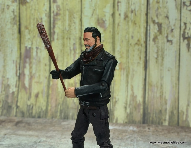 the walking dead negan figure review - holding lucille