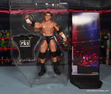 wwe elite 49 randy orton figure review - accessories in tray