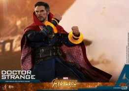 hot toys avengers infinity war doctor strange figure -glowing bands