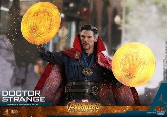 hot toys avengers infinity war doctor strange figure -magic orbs