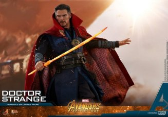 hot toys avengers infinity war doctor strange figure -with sword