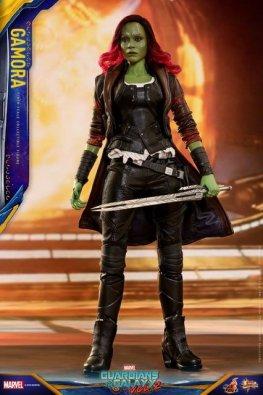 hot toys guardians of the gamora vol. 2 gamora figure - holding sword