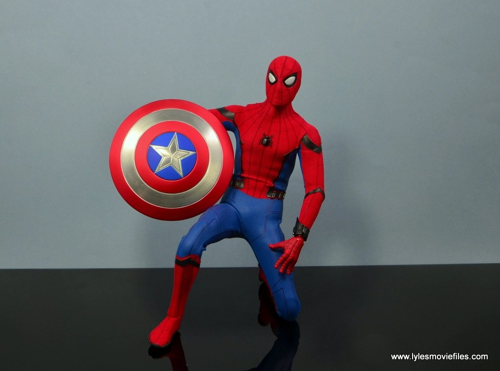 Hot Toys Spider Man Homecoming Figure Review With Captain