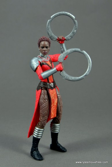 marvel legends nakia figure review - raising weapons up