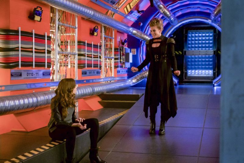 the-flash-harry-and-the-harrisons-review -caitlin and amunet