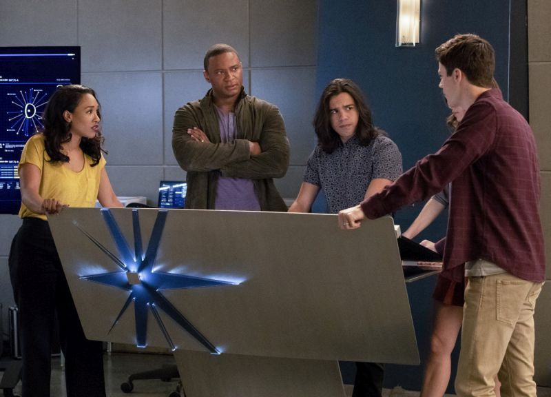 the flash think fast review - iris, diggle, cisco and barry