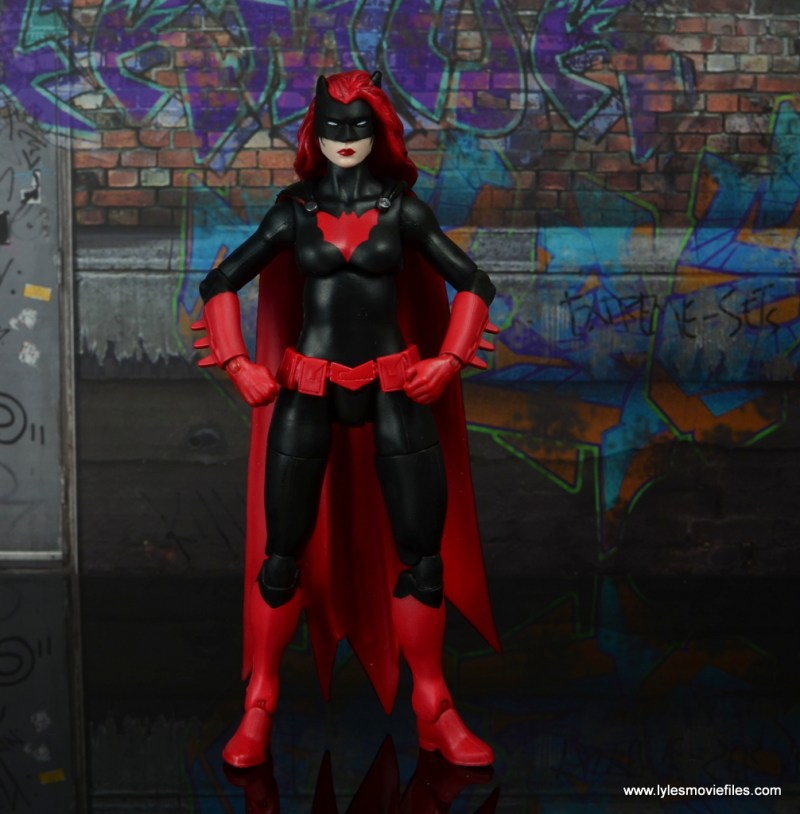 dc multiverse batwoman figure review - hands on hips
