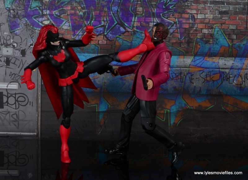 dc multiverse batwoman figure review - kicking two-face
