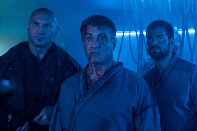 escape plan hades review - dave bautista, sylvester stallone and jesse metcalfe
