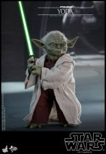 hot toys attack of the clones yoda figure -lightsaber lit