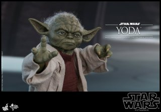 hot toys attack of the clones yoda figure -using the force