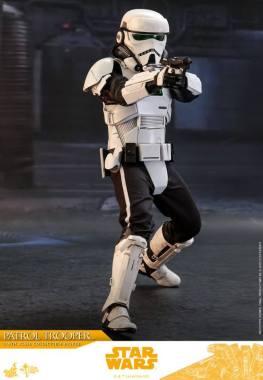 hot toys solo a star wars story patrol trooper figure -taking aim