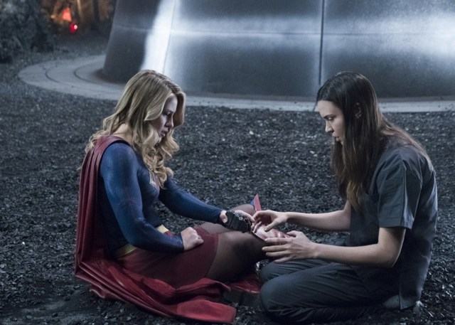 supergirl battles lost and won - supergirl and sam