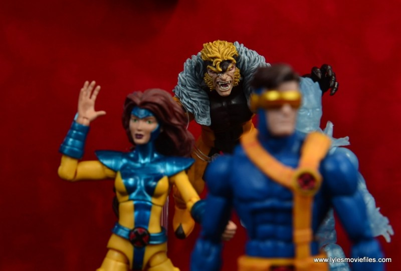 marvel legends sabretooth figure review - stalking jean grey, cyclops and iceman