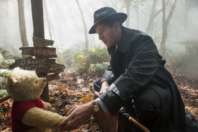 christopher-robin-movie-review-winnie-the-pooh-and-christopher-robin