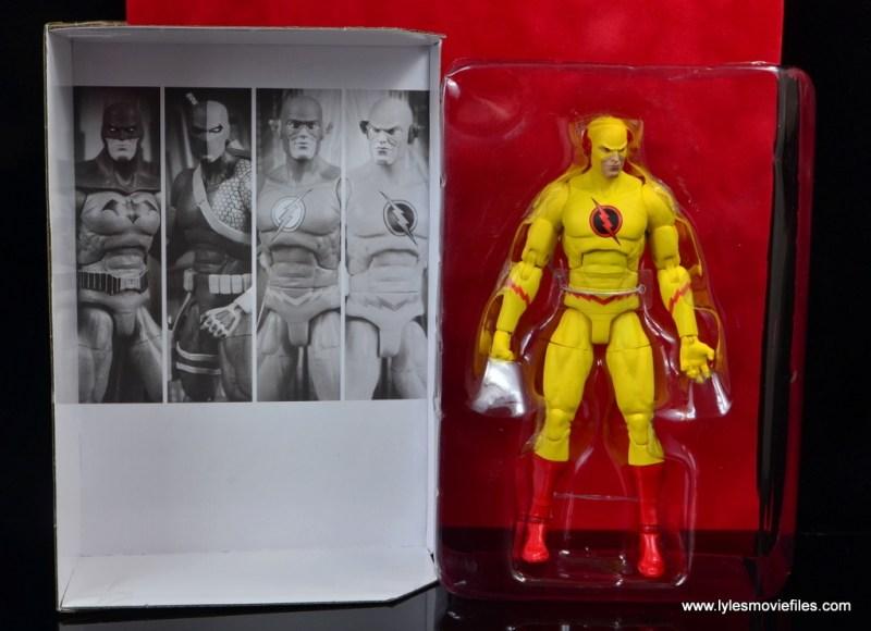 dc essentials reverse-flash figure flash - figure in tray
