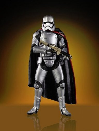 fan expo canada 18 star wars vintage series captain phasma at attention