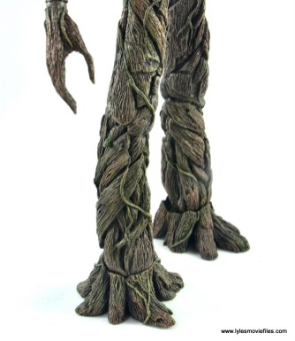 hot toys avengers infinity war groot and rocket review - groot leg detailing