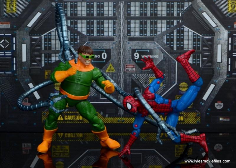 marvel legends doctor octopus figure review - vs spider-man