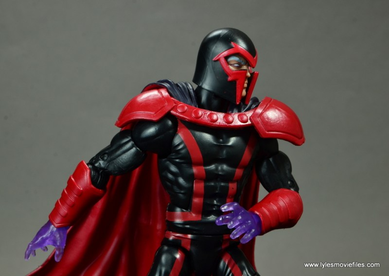 marvel legends magento review -looking to the side