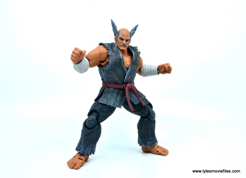 Storm Collectibles Heihachi Mishima figure review -side wide stance