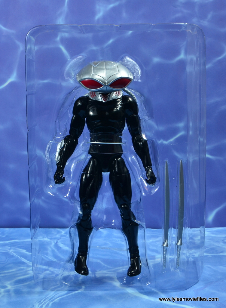 dc essentials black manta figure review -accessories in tray