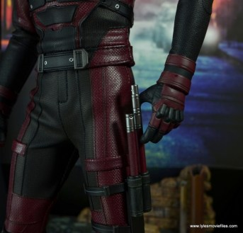hot toys daredevil figure review - holster detail