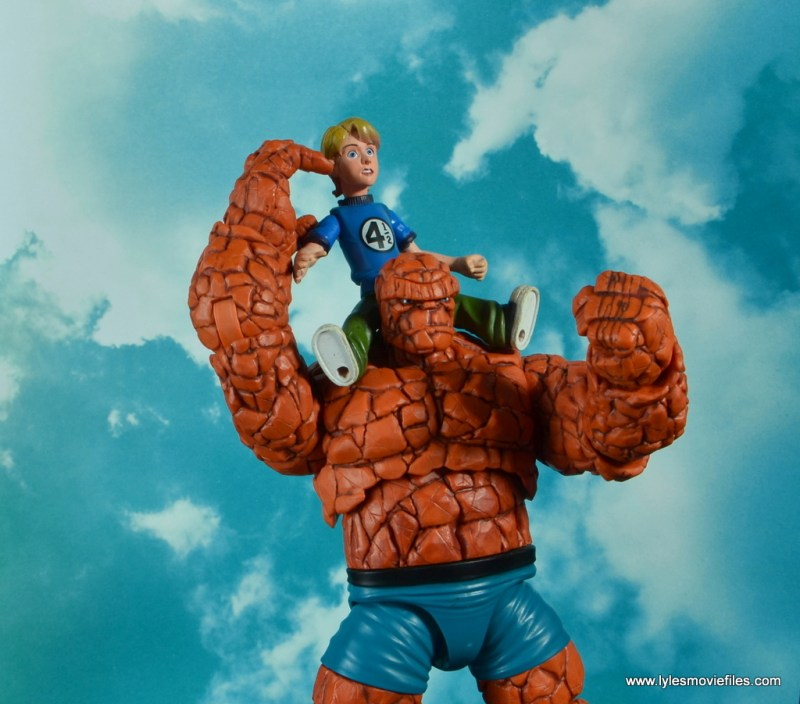 marvel legends the thing figure review - hanging with franklin