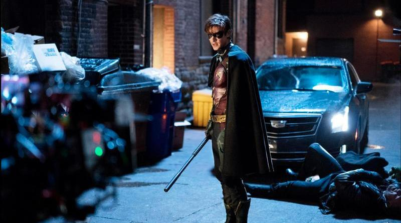 titans review - robin