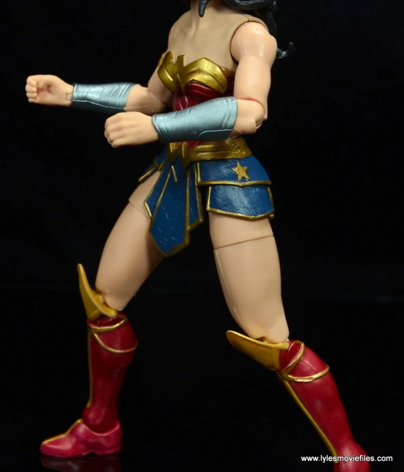 dc multiverse wonder woman figure review -gauntlets, skirt and boot detail