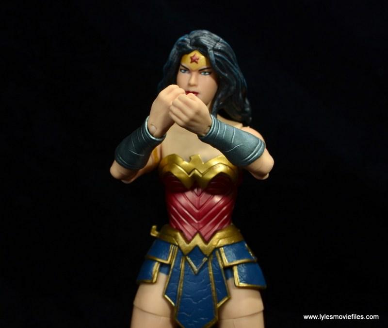dc multiverse wonder woman figure review -gauntlets together
