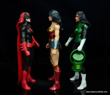 dc multiverse wonder woman figure review -scale with batwoman and jessica cruz