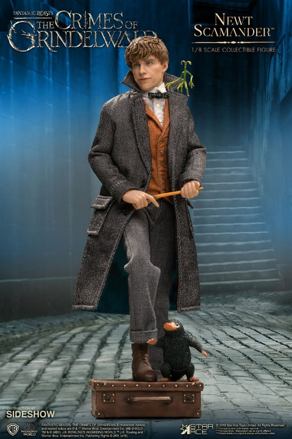 fantastic-beasts-the-crimes-of-grindelwald-newt-scamander-collectible-figure-star-ace-with beast friends