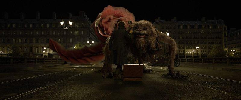fantastic beasts the crimes of grindelwald review - eddie redmayne