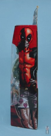 marvel legends deadpool figure review - fpackage side