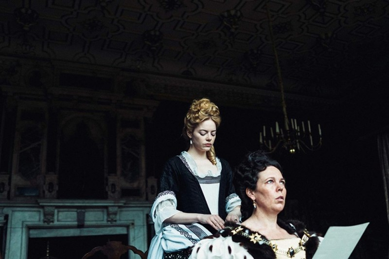the favourite movie review - emma stone and olivia coleman