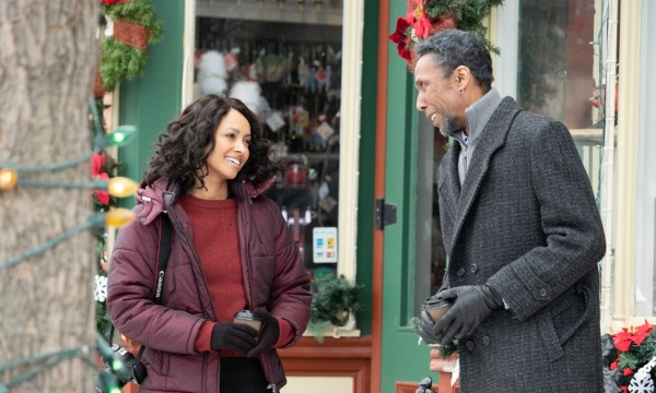 the holiday calendar movie review - kat graham and ron cephas jones