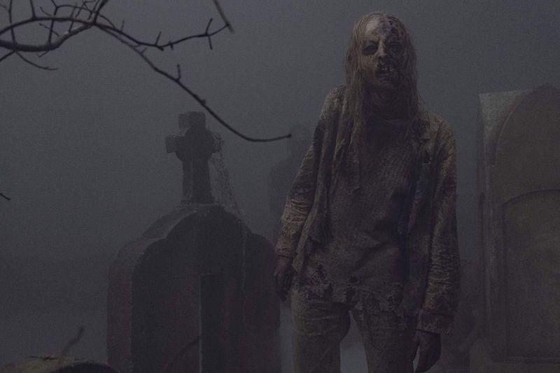 the walking dead evolution review - graveyard walker