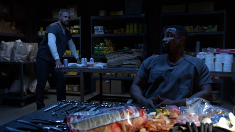 arrow the slabside redemption review - oliver and turn