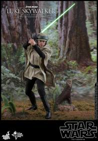 hot toys deluxe return of the jedi luke skywalker figure - about to attack on endor