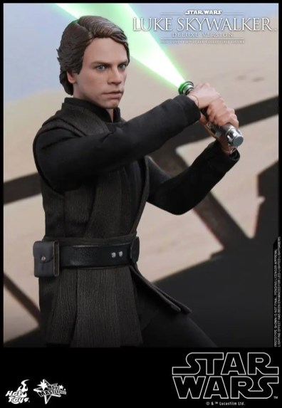 hot toys deluxe return of the jedi luke skywalker figure -about to swing lightsaber
