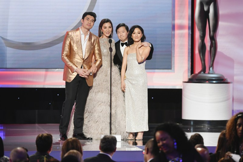 crazy-rich-asians-cast-henry-golding-michelle-yeoh-ken-jeong-and-constance-wu-at-sag-awards
