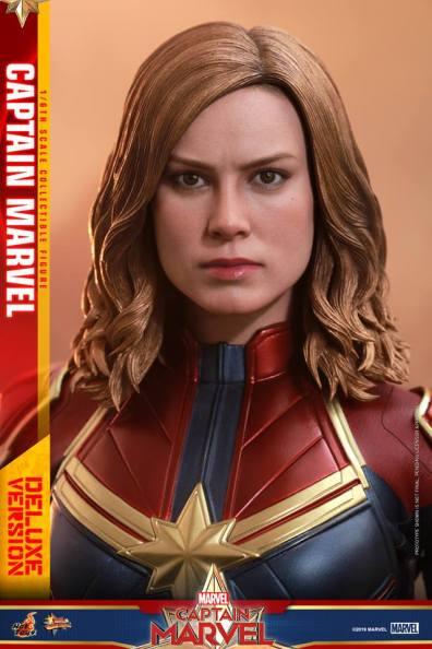 hot toys captain marvel deluxe figure -face detail