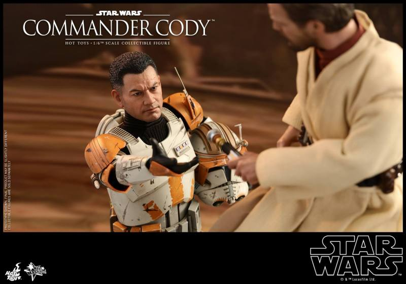 hot toys star wars revenge of the sith commander cody figure -handing off the lightsaber