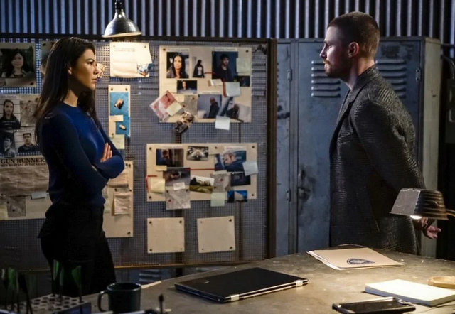 arrow brothers and sisters review - emiko and oliver