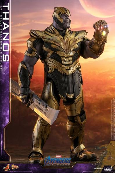 hot toys avengers engame thanos figure - holding blade